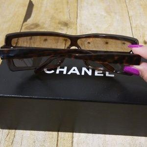CHANEL Accessories - Vintage Chanel Tortoise Sunglasses